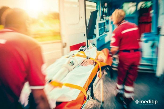 Persona trasladada de urgencia por enfermedad cardiaca