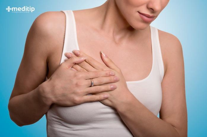 Mujer con síntomas de enfermedad cardiaca