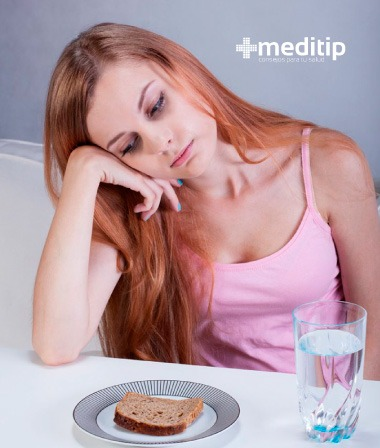 Mujer con deficiencia de vitaminas: Importancia de las vitaminas