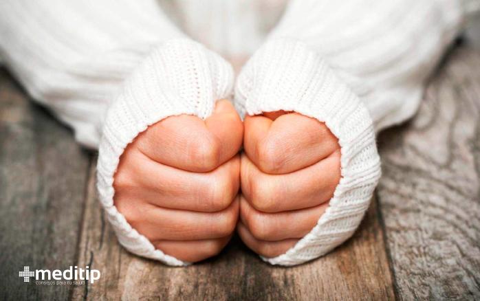 Síntomas de mala circulación: frío inexplicable en las manos