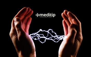 Por qué dan toques: electricidad estática