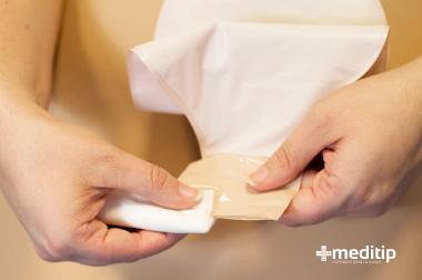 Con qué frecuencia cambiar la bolsa de ostomía o sistema recolector