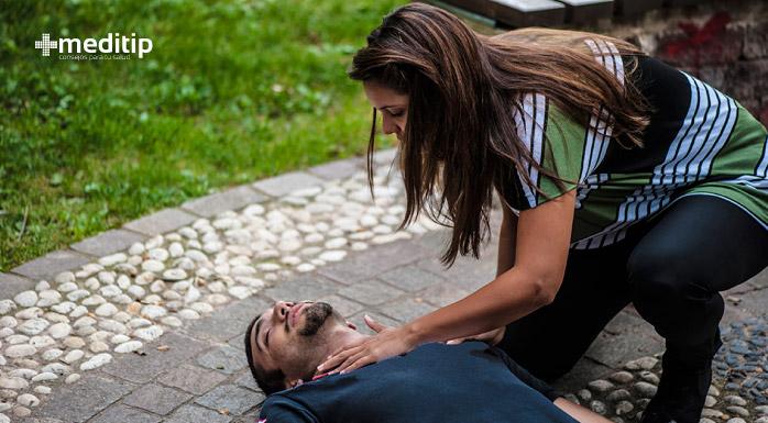 Qué hacer cuando alguien tiene una convulsión de epilepsia: primeros auxilios