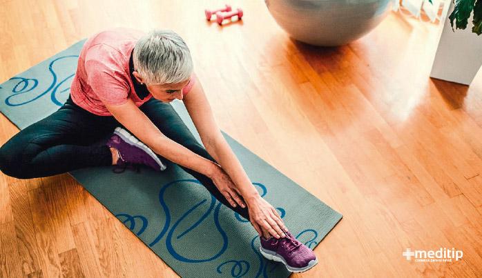 Ejercicios para aliviar el dolor de articulaciones: estiramiento y flexibilidad