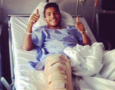 Jonathan dos Santos en recuperación tras artroscopia