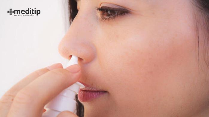 Alivio para la inflamación de la nariz y congestión nasal con irrigación con solución salina